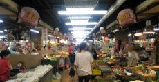 台湾・迪化街を散策!ドライフルーツやお茶屋さんの問屋街を歩く